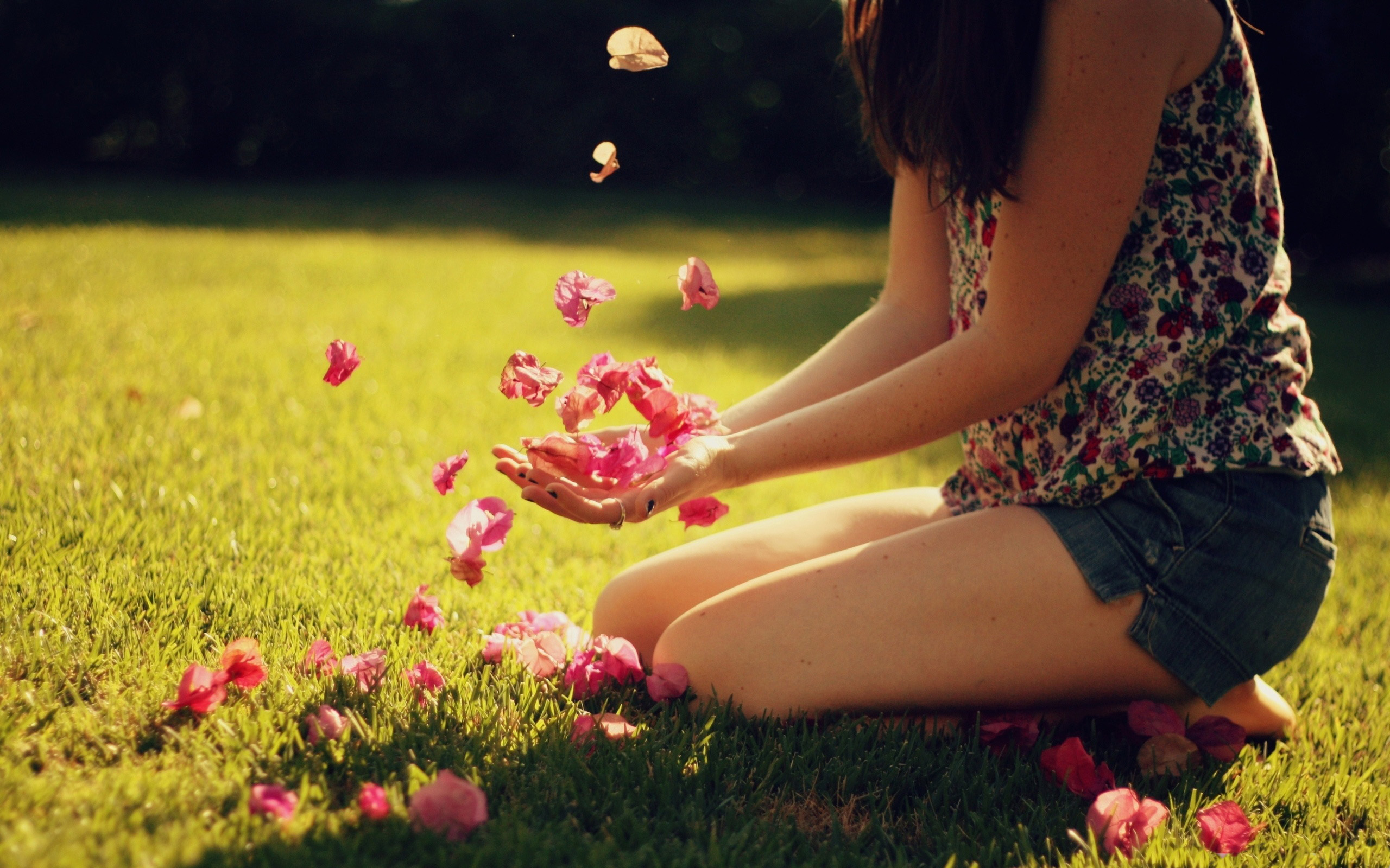 girl-playing-with-flowers-girl-1