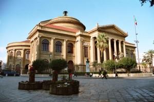 Teatro Massimo  (fonte Wikipedia)